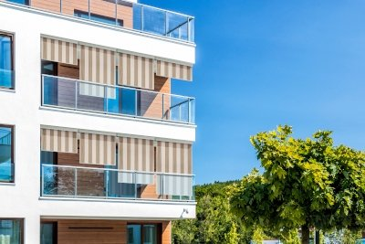 Exemple d'installation de store vertical manuel bon plan